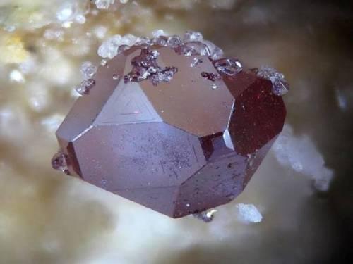 photo et propriétés pierre cuprite sur pierresdesante.com