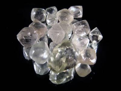 proprietes du diamant la pierre de naissance du mois d
