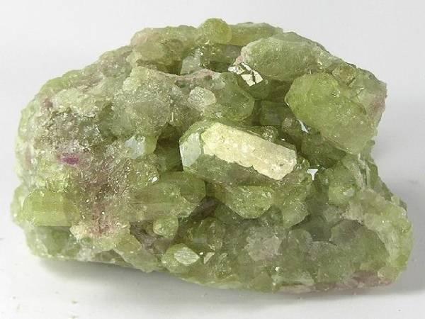 photo et propriétés de la pierre vésuvianite