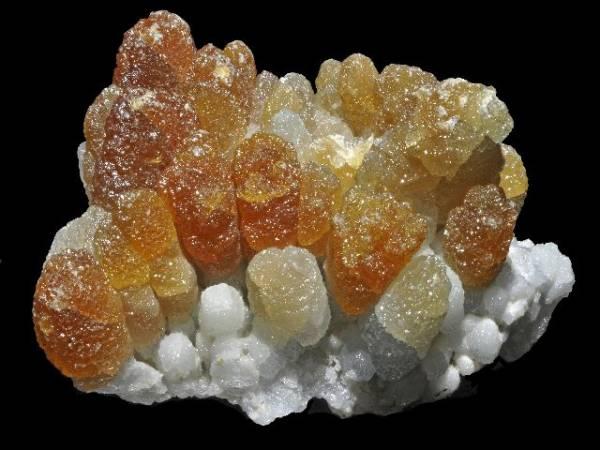Propriétés et photos de la pierre de santé zincite sur www.pierresdesante.com